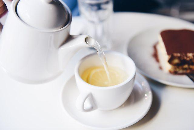 紅茶のティーセット